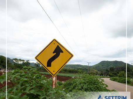 CNT publica Transporte em Foco sobre sinalização rodoviária