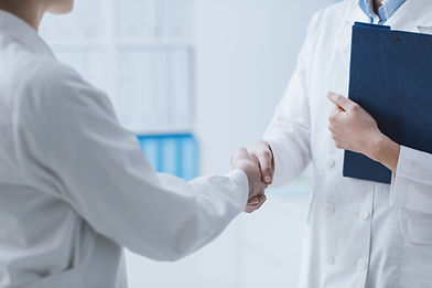 doctors-meeting-in-the-office-p7wrh9f-21