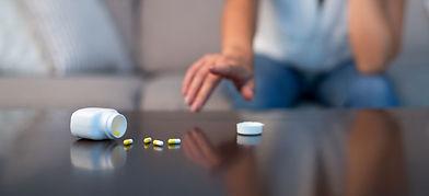 pills-woman-2-2150.jpg