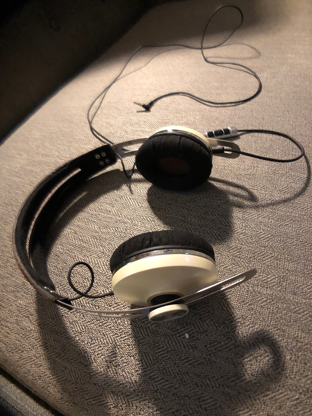 Review: Momentum OnEar Headphones - Christian Rosselli Voice Over