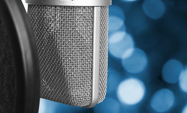 microphone mic bokeh blue background press.png