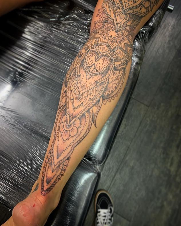 Mandala Leg.jpg