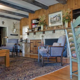 River_House_Interior_Living_Room.jpg