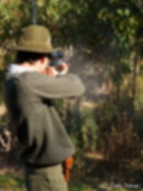 Hay que asegurarse bien donde puede ir la bala antes de tirar (Fotografía: Zalo Varas)
