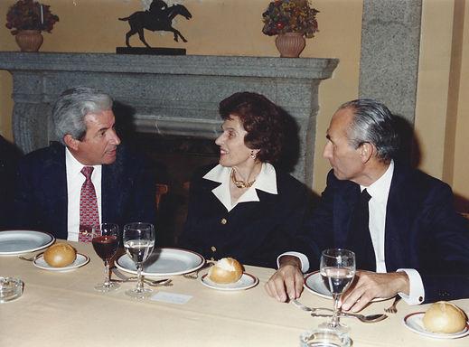 Iñigo Moreno de Arteaga, Condesa de Teba y César Fernández de la Peña. (Fotografía: Real Club de Monteros)