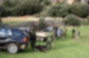 Los monteros llegan al punto donde han de dejar los vehículos (Fotografía: Santiago Segovia Pérez)
