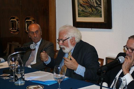 En conferenciante en uno de los momentos de su exposición(Fotografía: Santiago Segovia Pérez)