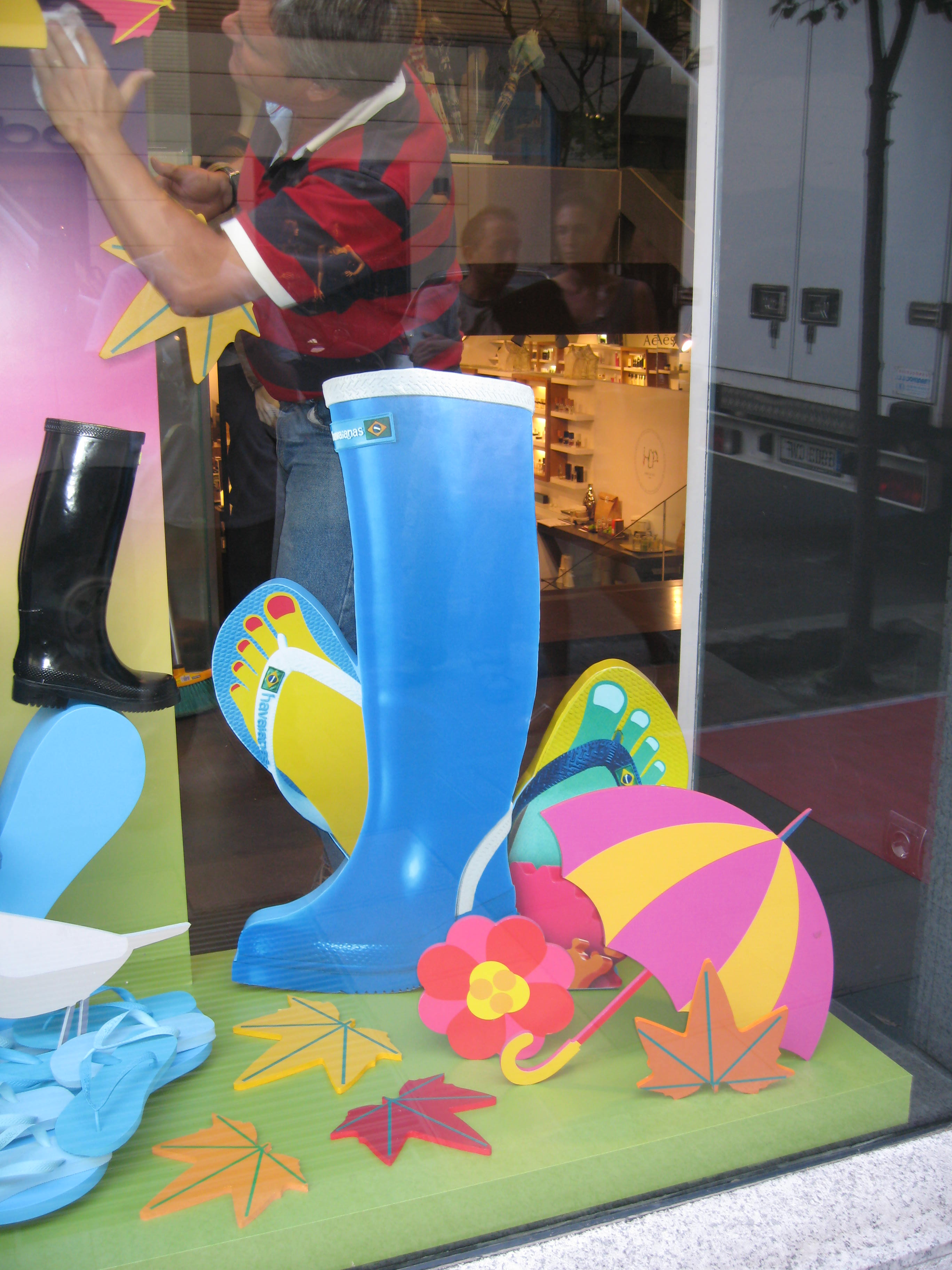 IC Escaparate Havaianas Paris (1).JPG