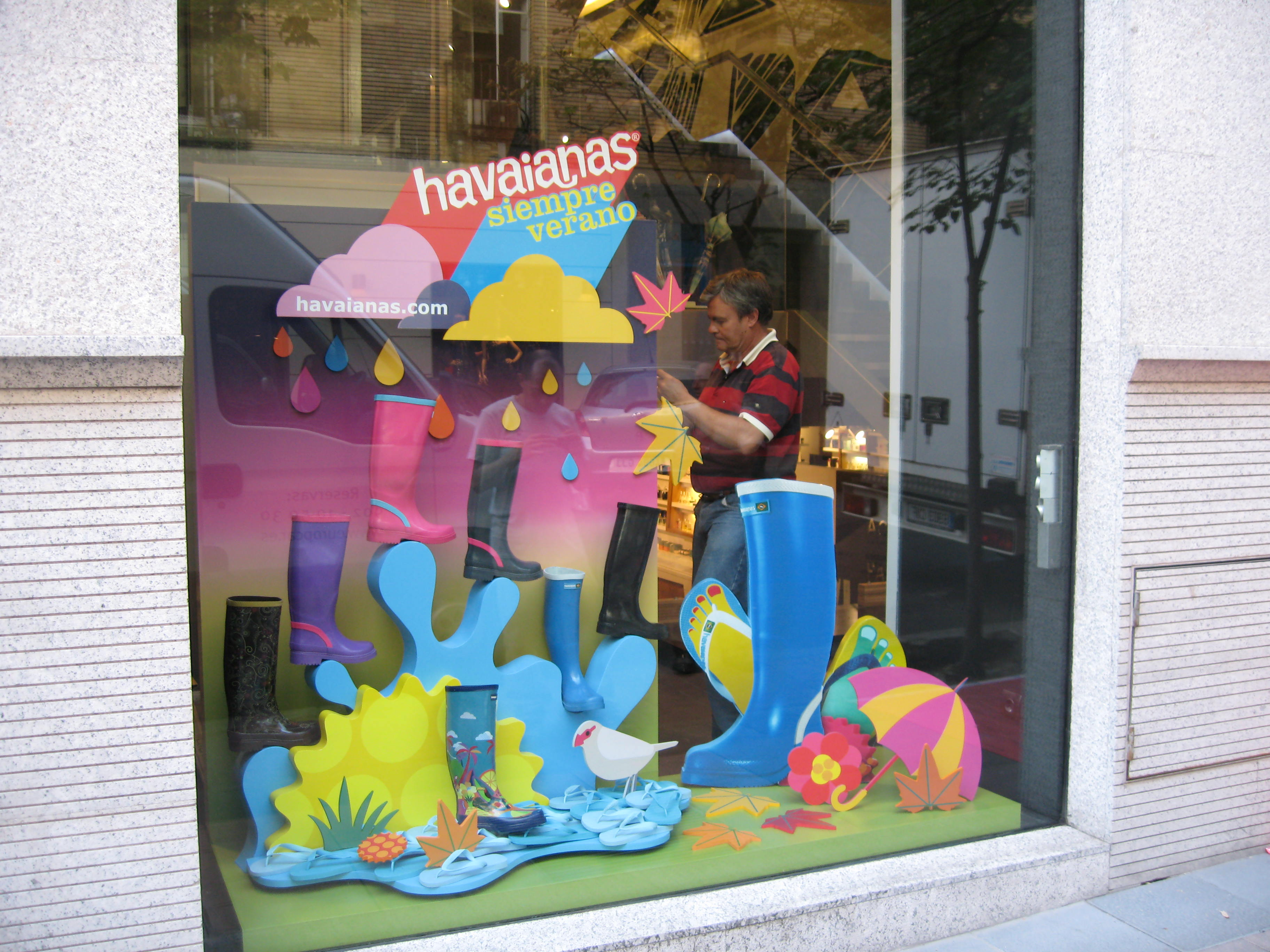 IC Escaparate Havaianas Paris (2).JPG