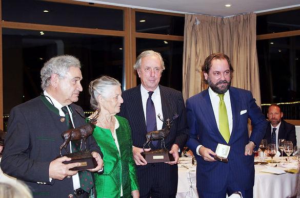 S.A.R. Dª Teresa de Borbón, marquesa de Laserna hace entrega de los Premios 2015 del Real Club de Monteros