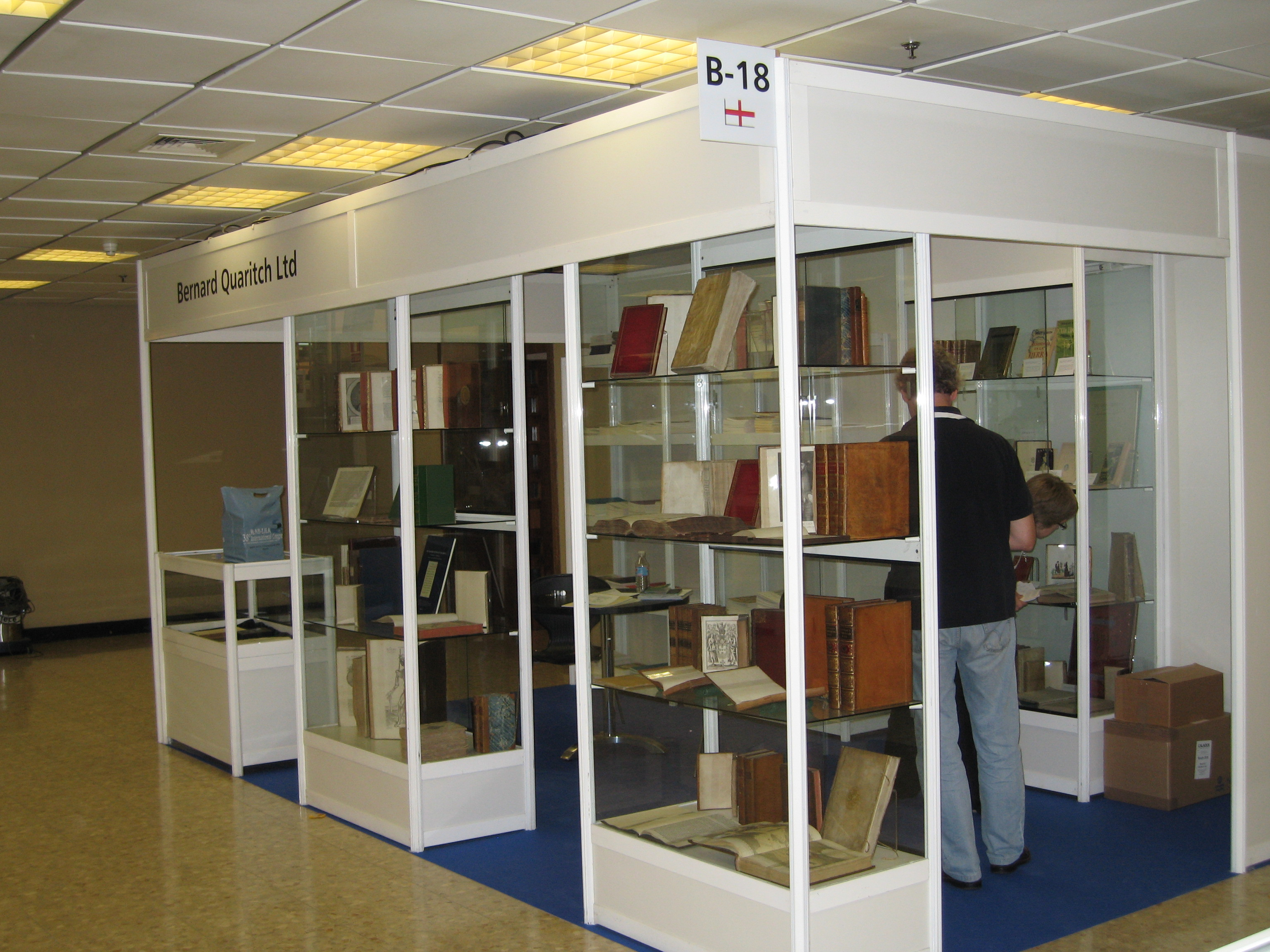 Modular-Stands-Booth-Librarie-Di&P