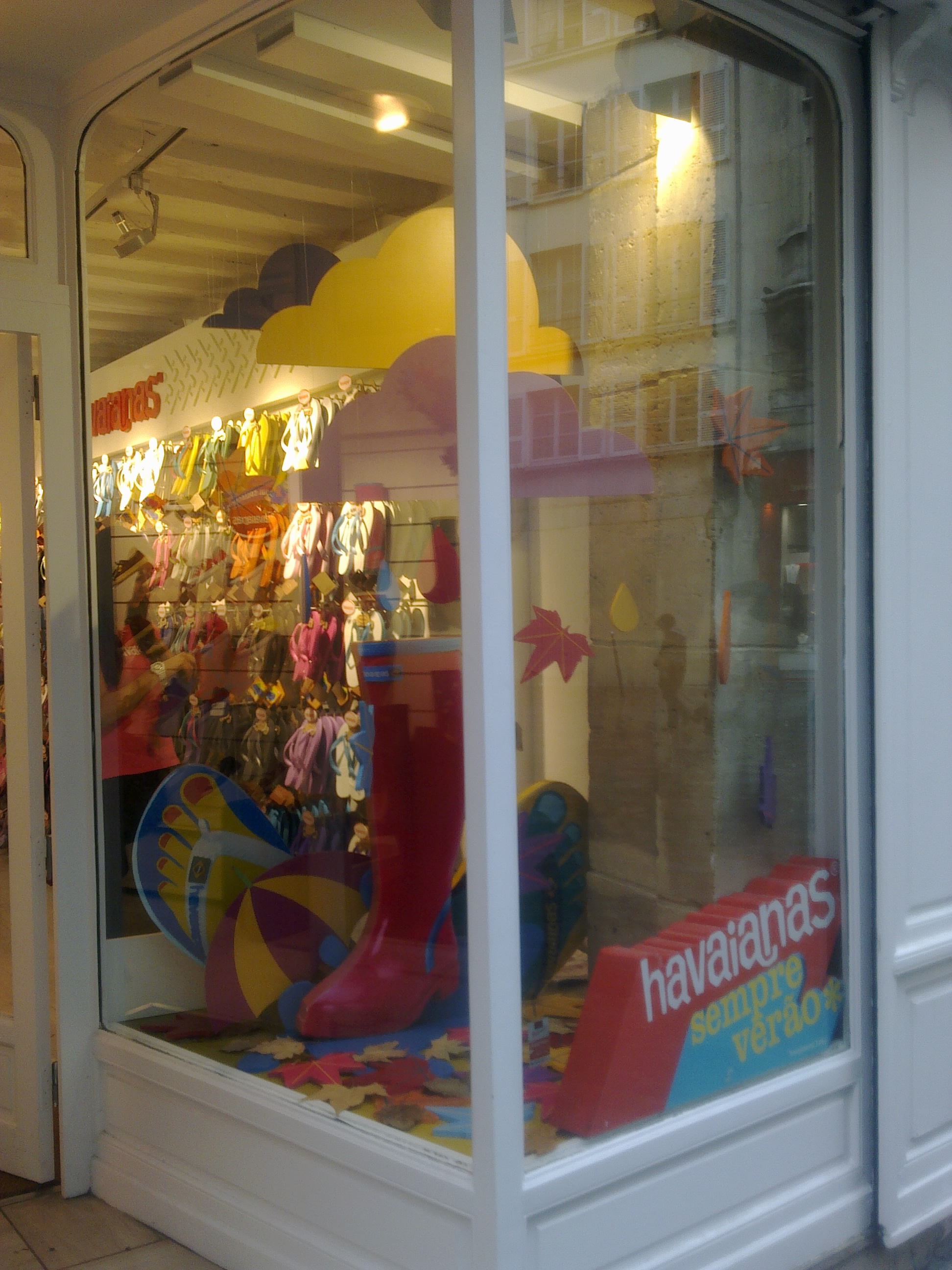 IC Escaparate Havaianas Paris (12).jpg