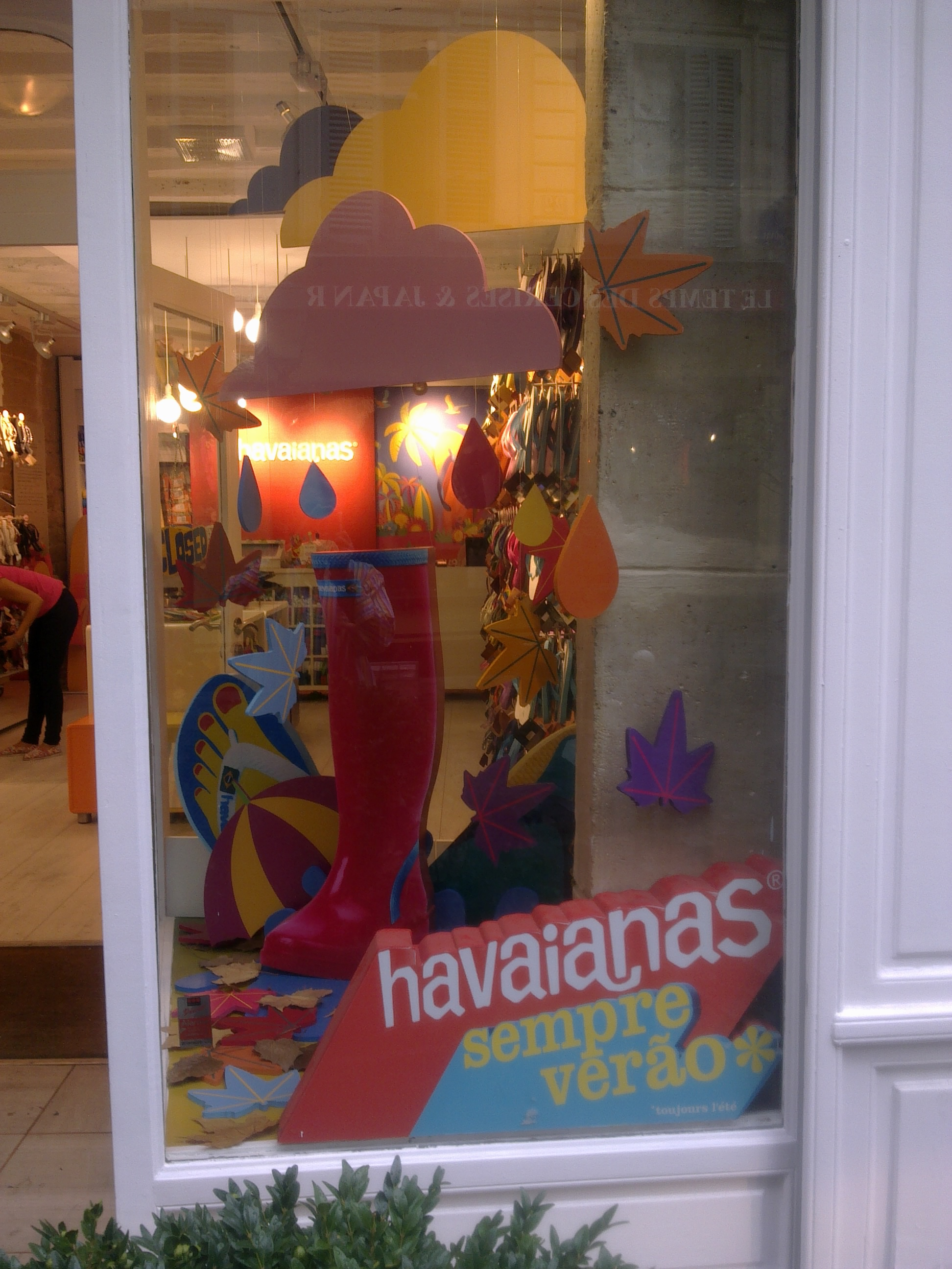 IC Escaparate Havaianas Paris (17).jpg