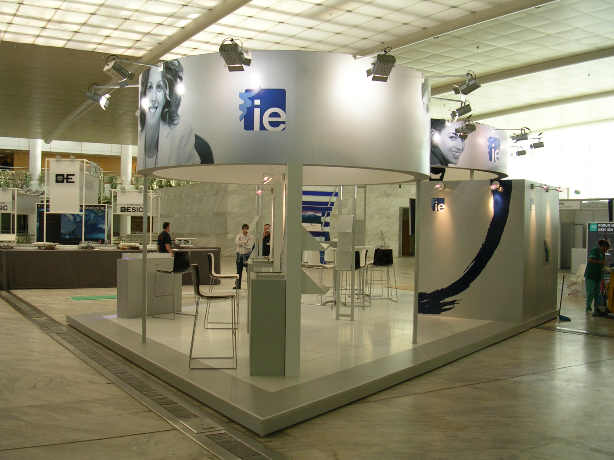 Stand-Diseño-IE-Expomanagement-Di&P