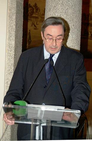 Rafael Castellano Barón, conde de Priego, dando lectura al acta del jurado del Premio Literario Jaime de Foxá (Fotografía: Cesáreo Martín Martínez)