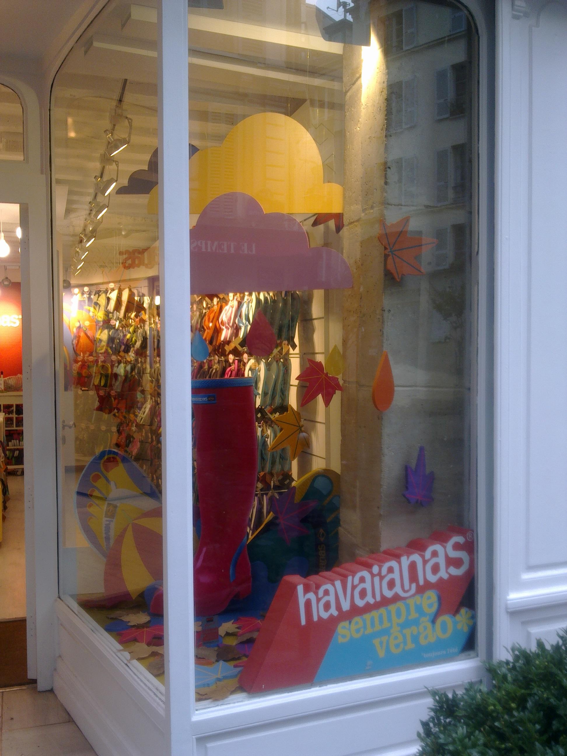 IC Escaparate Havaianas Paris (15).jpg