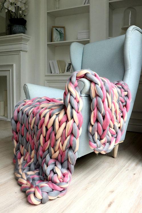 Medium Chunky Knit Blanket