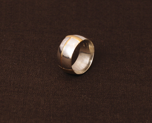 ring on side 1.jpg