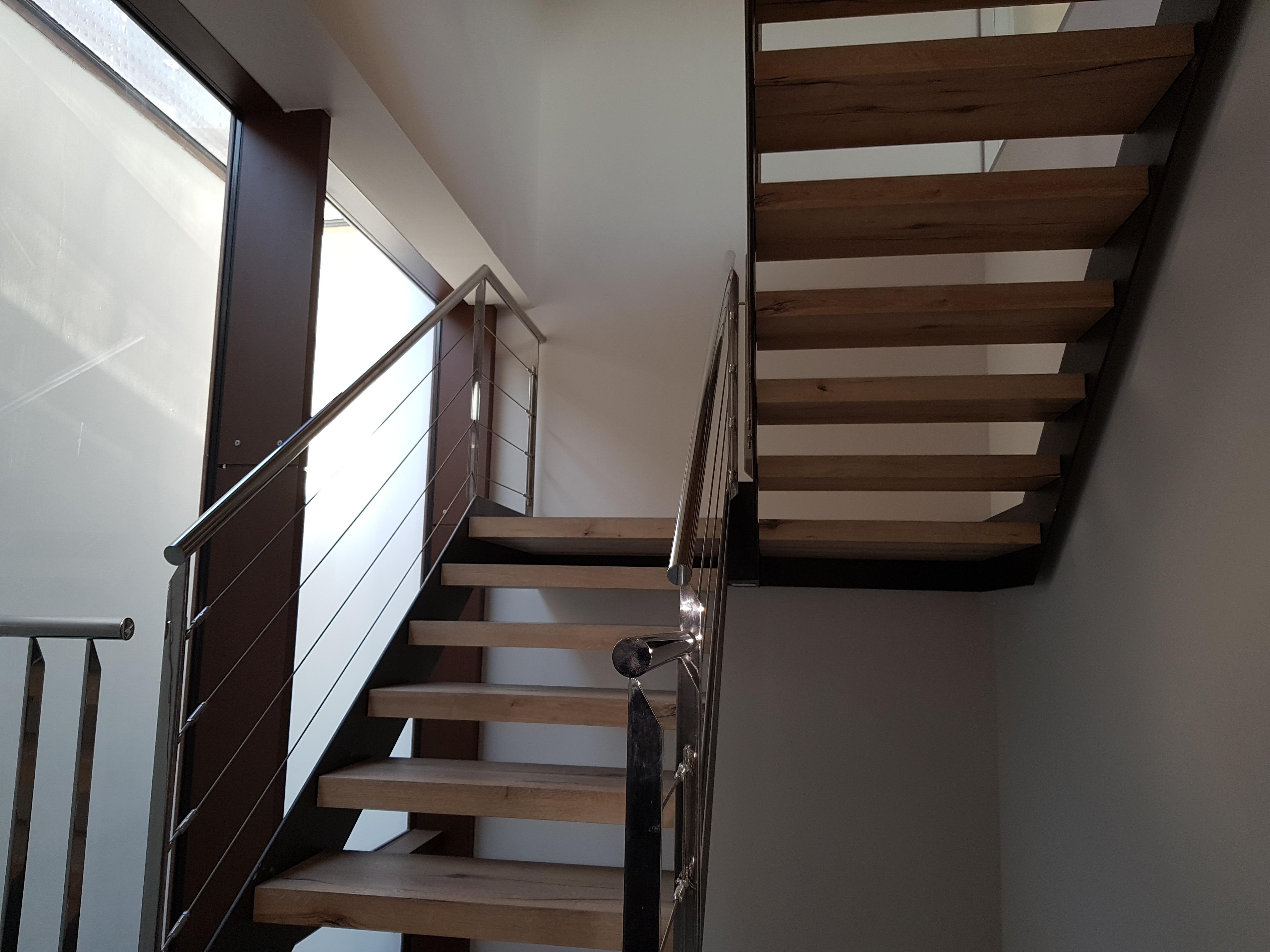 Estructura escalera y baranda de inoxida