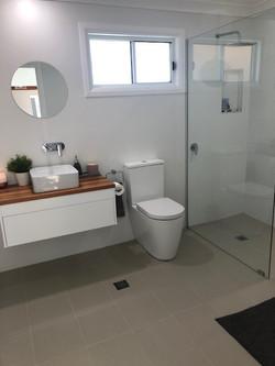 Crescent Head bathroom