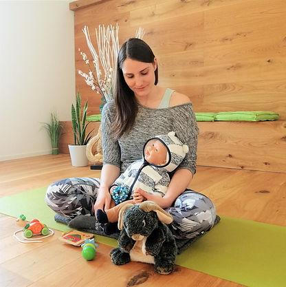 Nicole Stefan Babymassage fertig.jpg