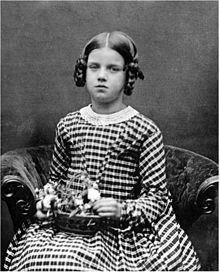 Annie Darwin.jpg