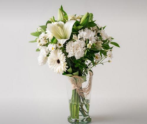 Vaso de Flores Brancas