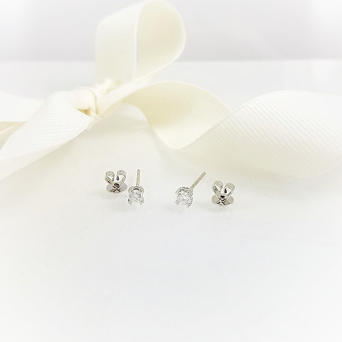 Diamond Studs Love Coll Earrings