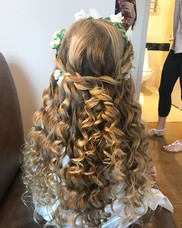 😍 #flowergirl #curls #wedding #weddinghair #updo #formalhair #hair  #behindthechair #firemonkeyhairdesign  #braid