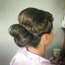 I like big buns and I can not lie #firemonkeyhairdesign #bridalhair #bridesmaid #weddinghair #updo