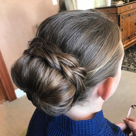 #hair #updo #bun #girlshair #weddinghair #flowergirlhair #bridesmaidhair #bridesmaid #wedding #formalhair #braid