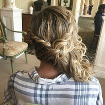 #bridesmaid #bridesmaidhair #hair #weddinghair #bride #bridalhair #braid #curls #twist #updo #formalhair #wedding #stonebridge