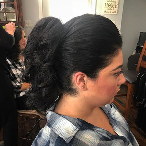 #ponytail #hair #wedding #weddinghair #updo #formalhair #curls #bridesmaid #bridesmaidhair #firemonkeyhairdesign