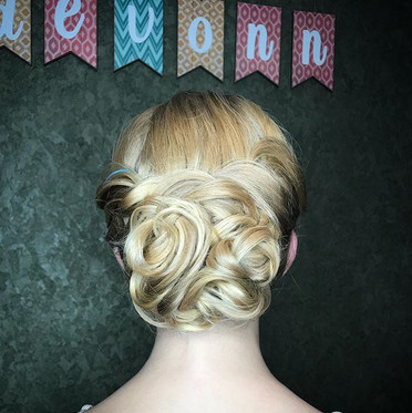 Ballet photo shoot #Hair #updo #formalhair #ballethair #ballerina #ballet #hairstyle #funhair #hairstylist #longislandhair #longisland #behi