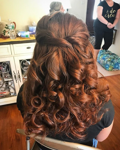 When you have a gorgeous natural color 😍 #hair #bridalhair #bridesmaid #weddinghair #firemonkeyhairdesign #curls