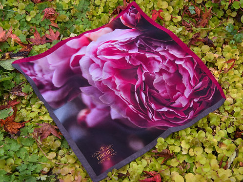 Romance Silk Medium square