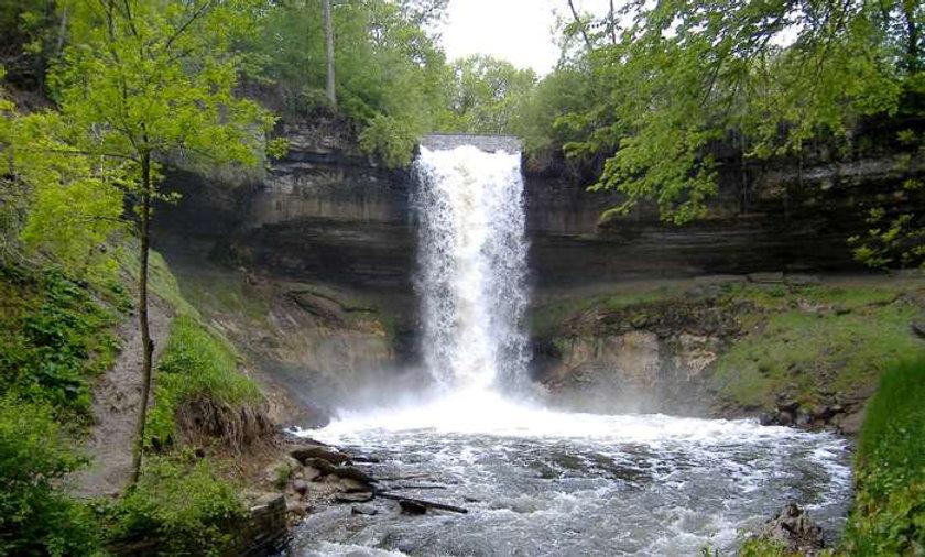 Minnehaha-Falls-Minneapolis-Minn.jpg
