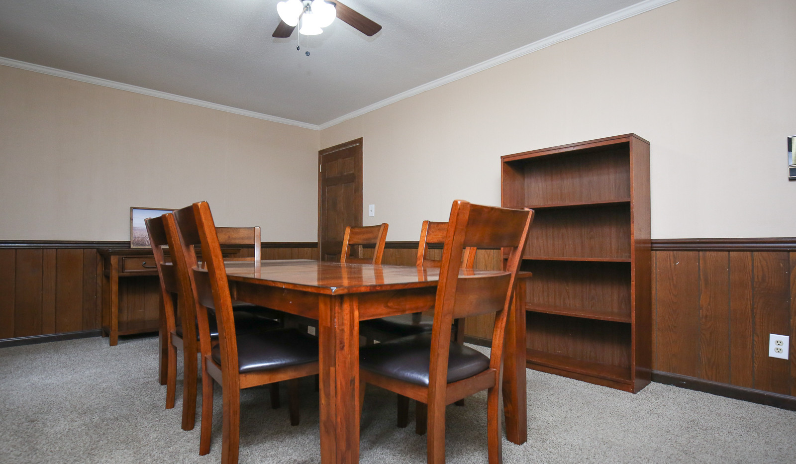 019_294_barnes_ave_dining_room.jpg