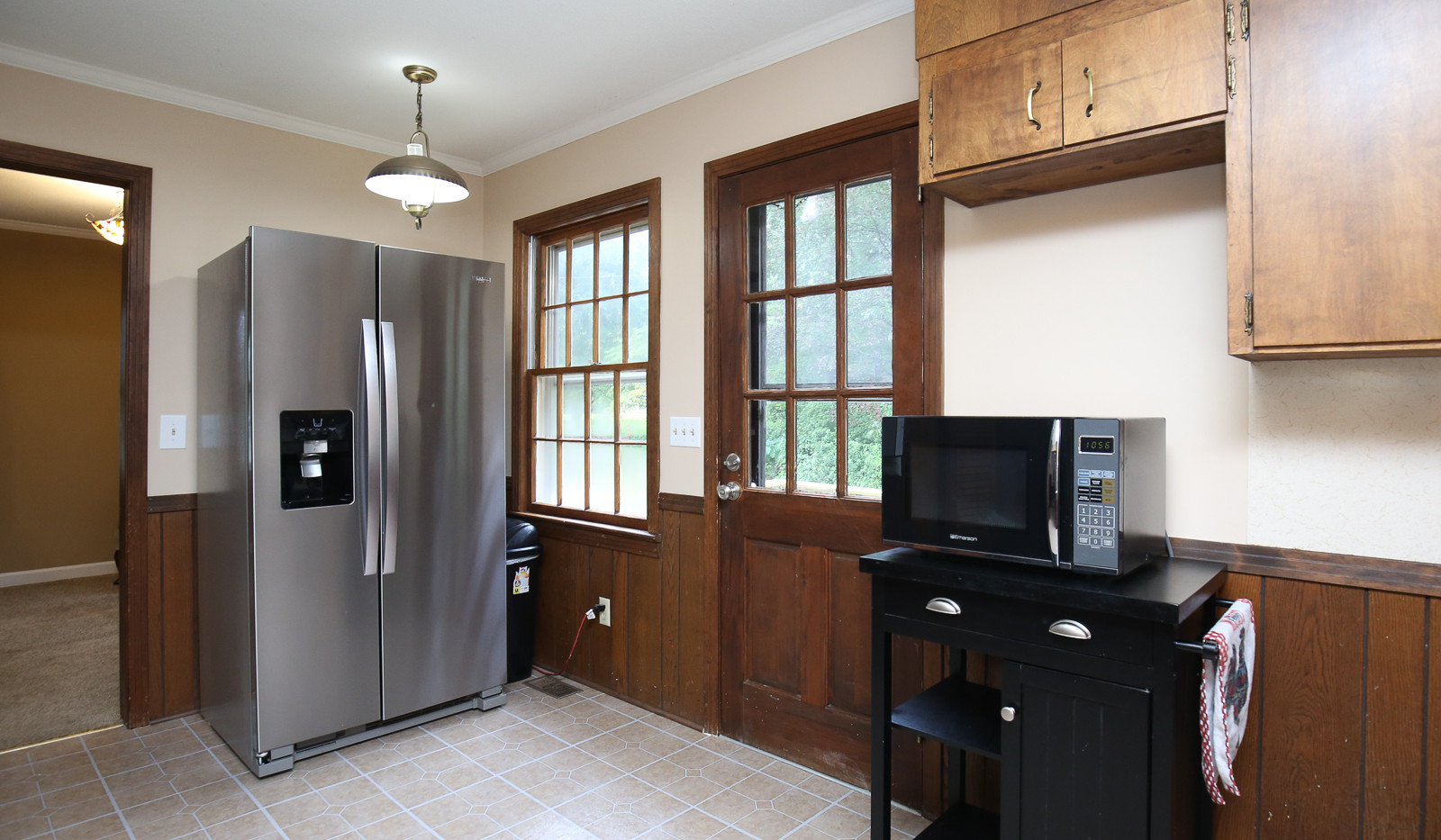 014_294_barnes_ave_kitchen.jpg
