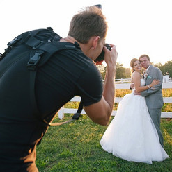 Sunset photos with Katie and Gavin at Adaumont Farm
