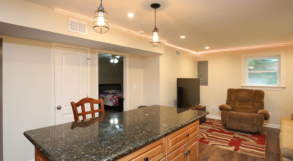 043_294_barnes_ave_kitchen.jpg