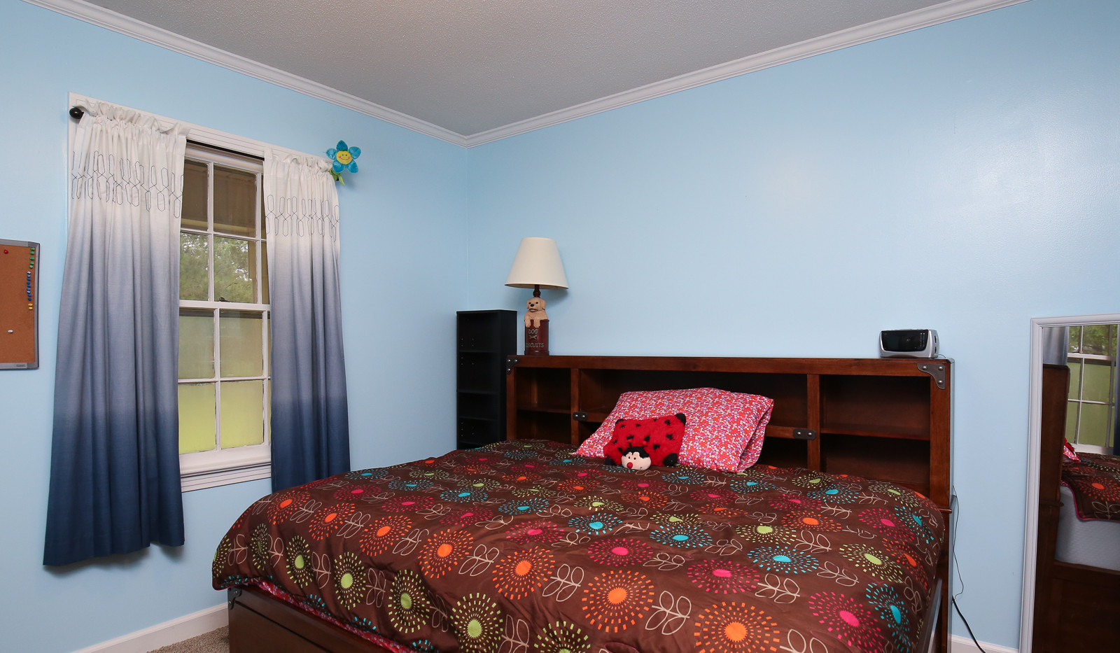 023_294_barnes_ave_bedroom1.jpg