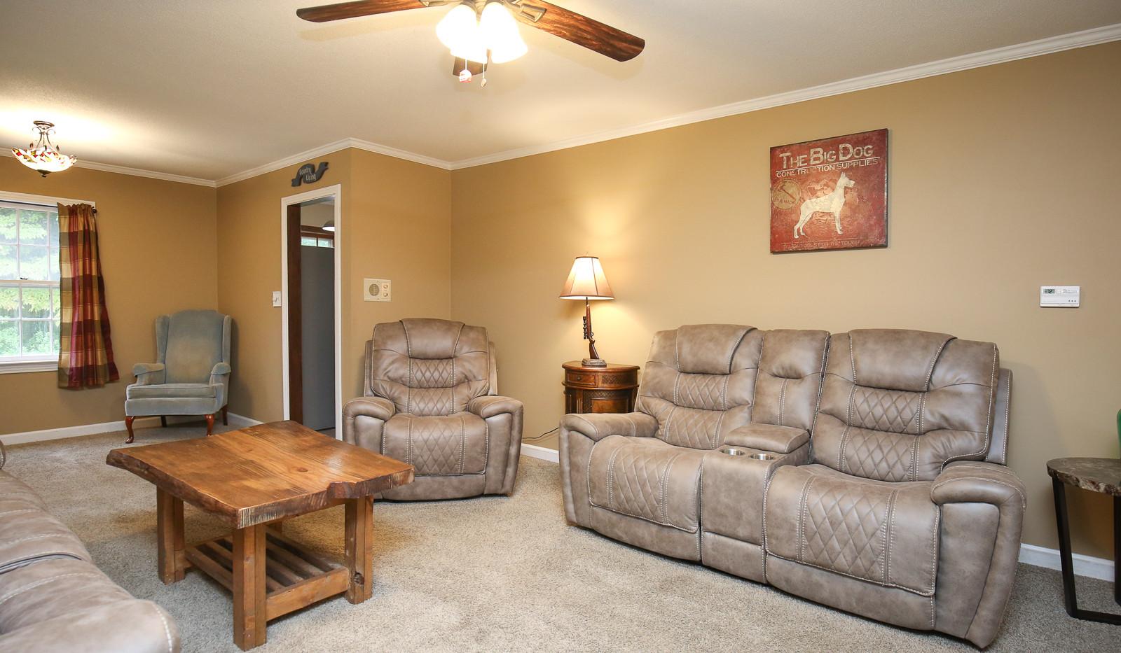 009_294_barnes_ave_living_room.jpg
