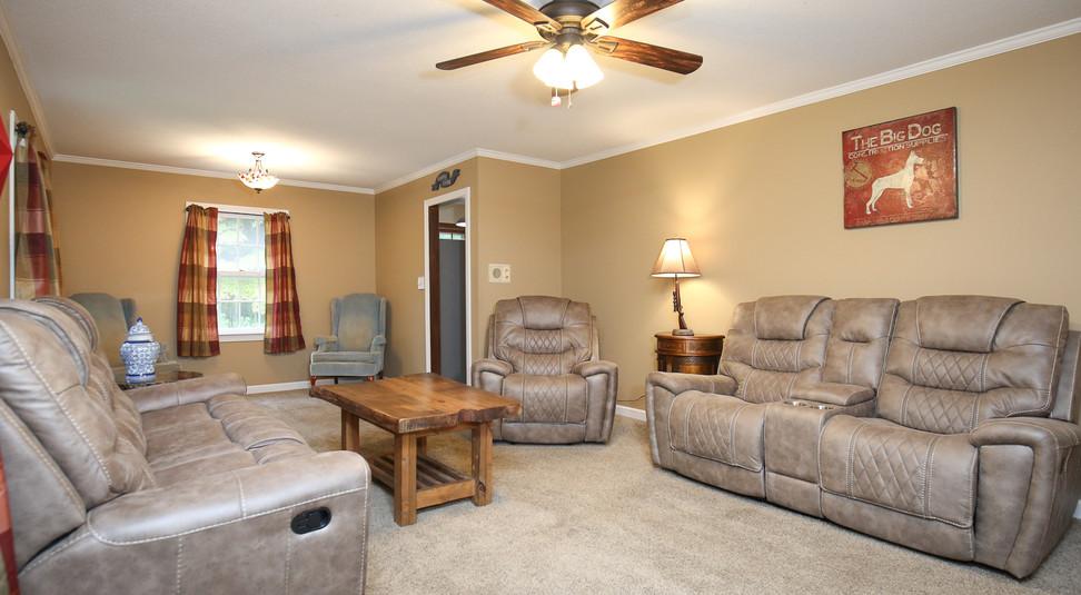 006_294_barnes_ave_living_room.jpg