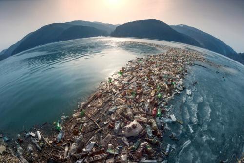 dechet plastique dans la mer