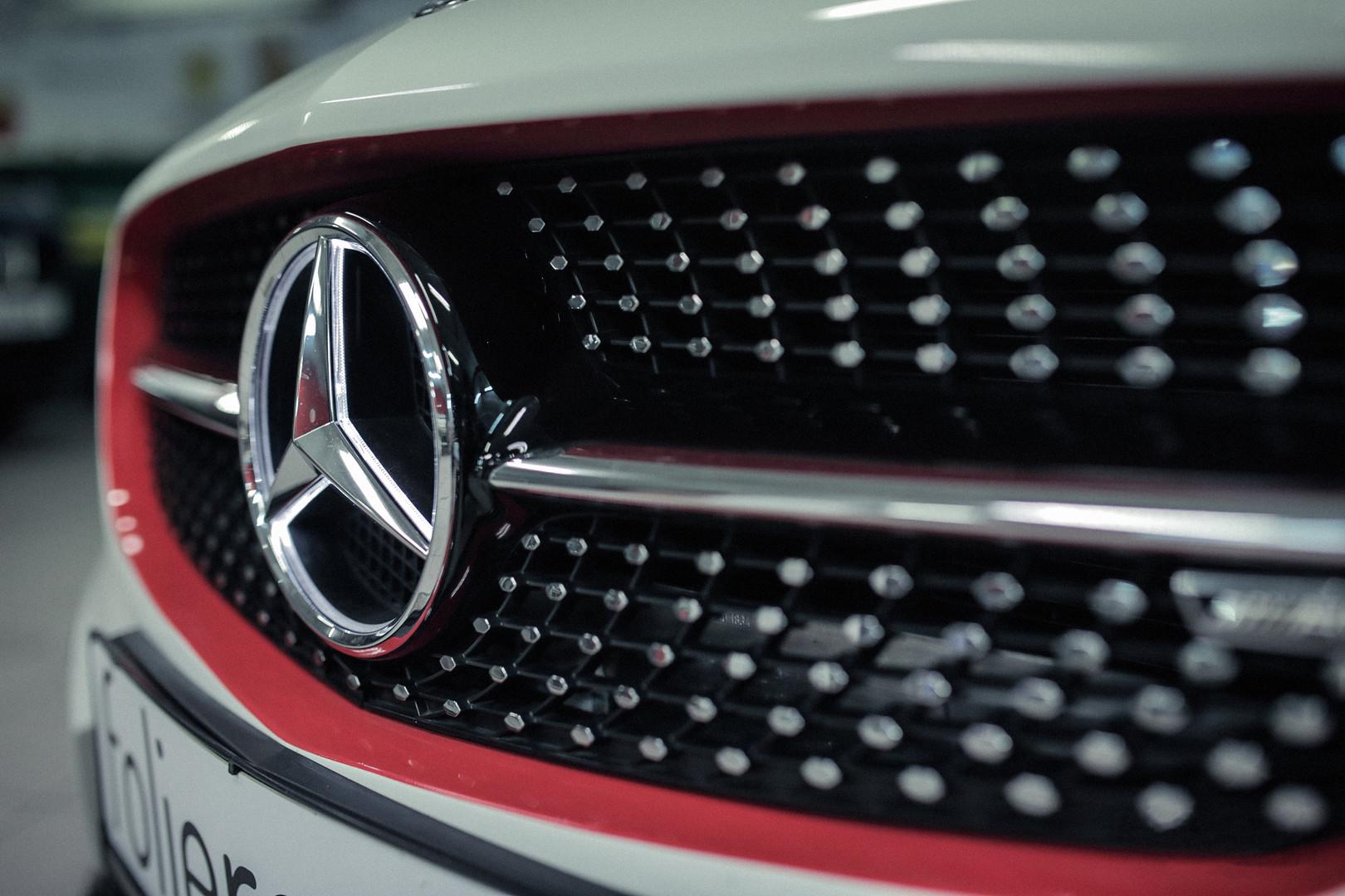 Designfolierung_Mercedes_3.jpg