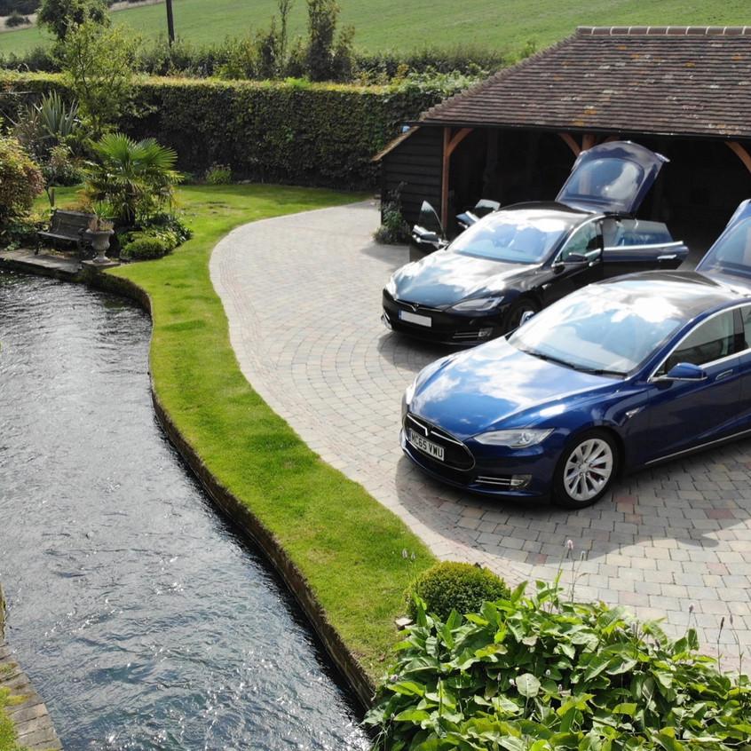 Tesla Model S Dashcam Bucks