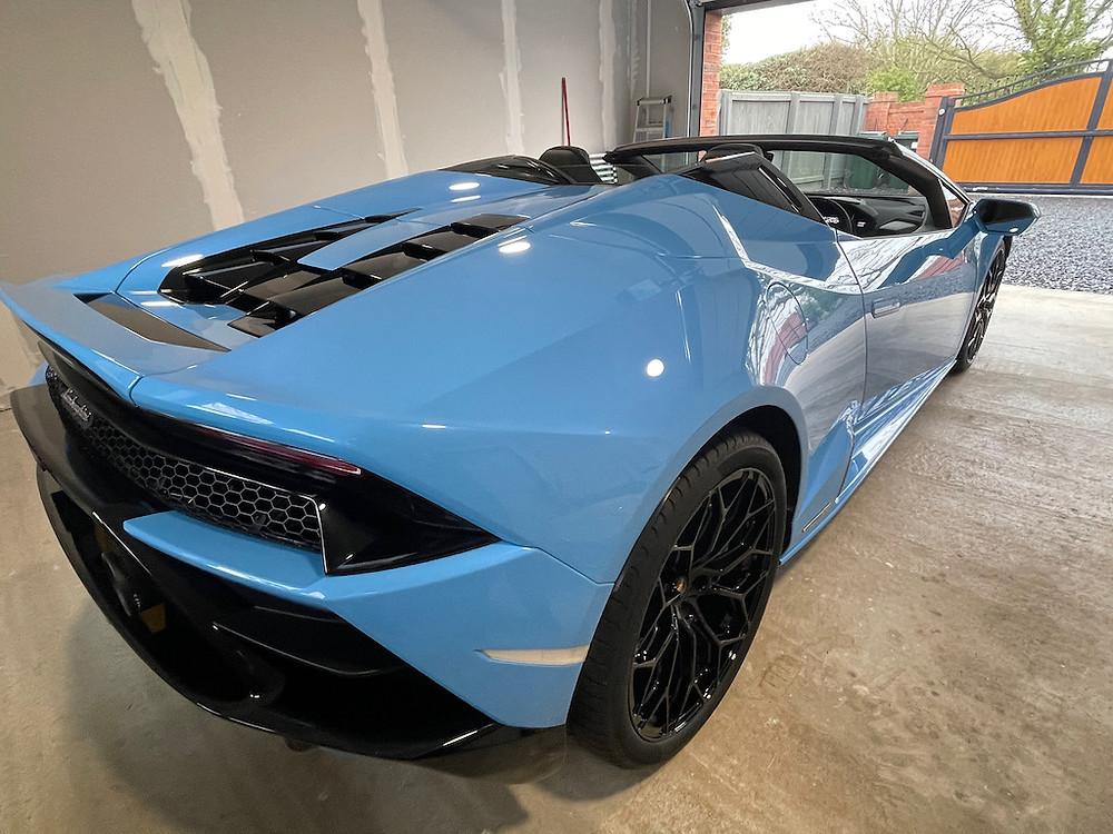 Lamborghini dashcam fitter
