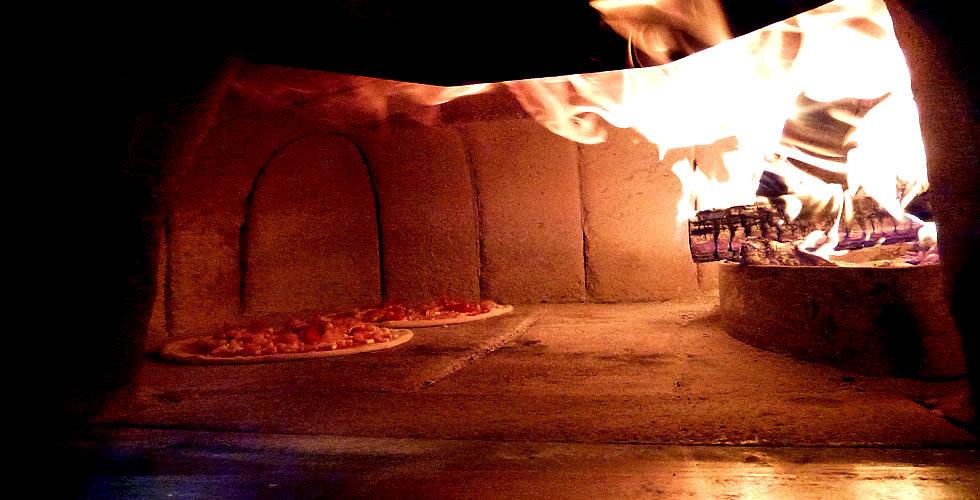 Holzofenpizza - Pizza al forno da legna