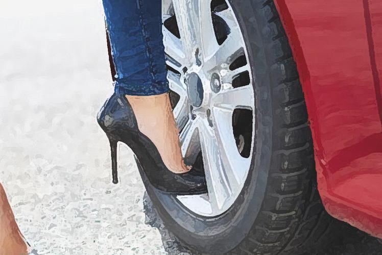 Ladies! Berani Nyetir pakai Heels Tinggi? Kenali Penyebabnya dahulu ya!